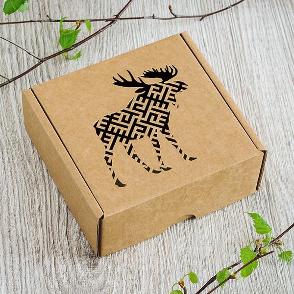 Maza dāvanu kaste ar lāzergrieztu alni