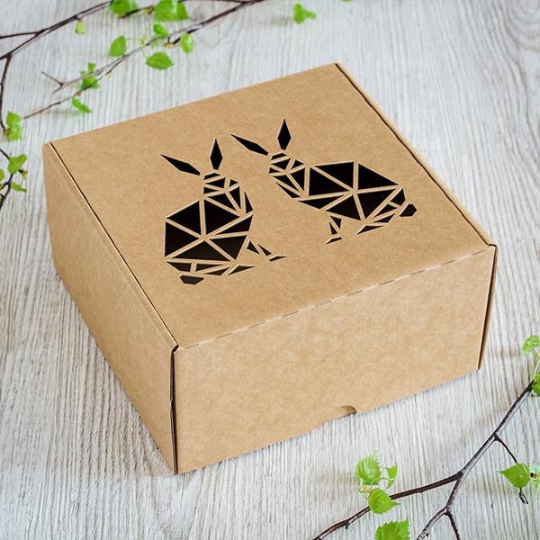 Maza dāvanu kaste ar lāzergrieztiem zaķiem