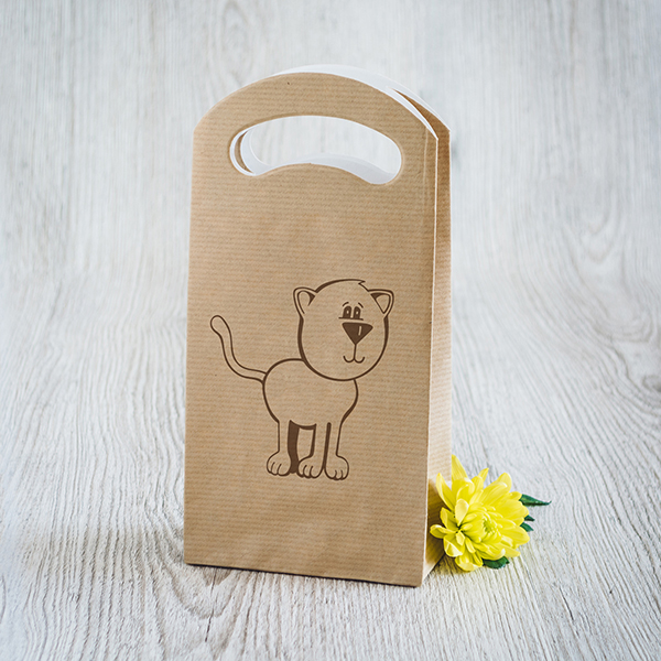 Gaišs dāvanu maisiņš ar brūnu apdruku ar Kaķi