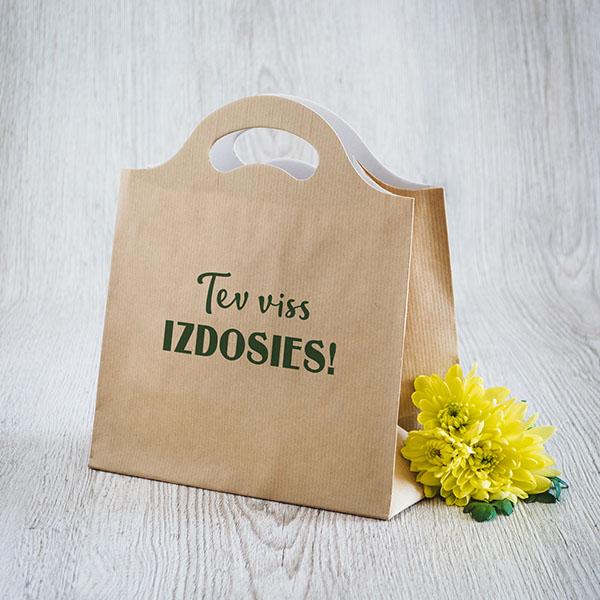Gaišs dāvanu maisiņš ar zaļu tekstu Tev viss izdosies