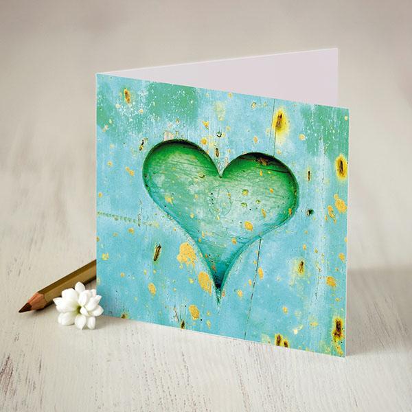 Atverama apsveikuma kartīte ar Sirdi