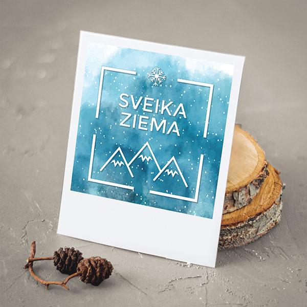 """Apsveikuma kartiņa ar ziemas skatu un tekstu: """"Sveika ziema"""""""