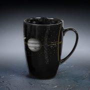 krūze melnā krāsā ar saules sistēmas apdruku