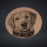 mazais korķa paliktnis ar suni