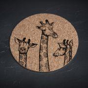 mazais korķa paliktnis ar trīs žirafēm