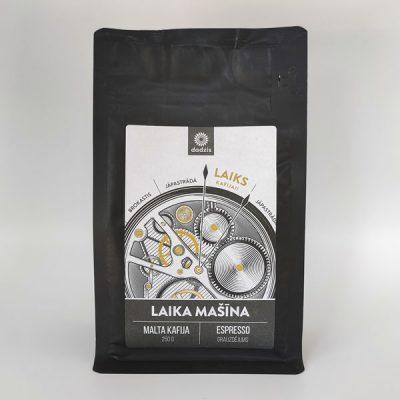 Malta kafija, 250g, Fazenda Primavera, Brazīlija, ar apelsīna, tumšās šokolādes un vaniļas garšas niansēm, ar attēlotu pulksteni un tekstu - Laika mašīna