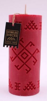 Dobeles sveces, sarkana sojas vaska svece cilindra formā ar Ugunskrustu