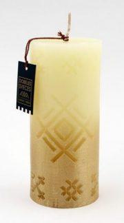 Dobeles sveces, bēša svece cilindra formā ar Akas zīmi