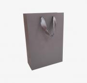 Dāvanu maisiņš ar lentītes rokturiem, tumši pelēks, matēts, 23x10x33cm