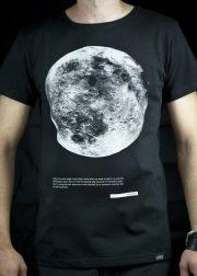 "Cemme, melns T-krekls ""Mēness"""