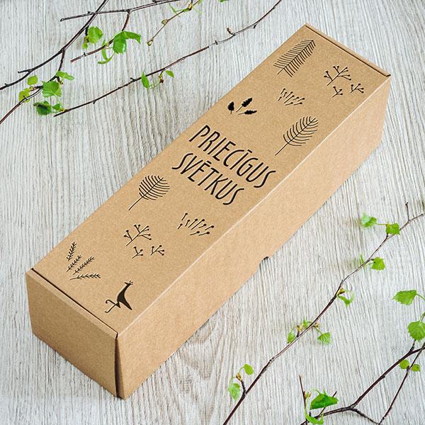"""Kartona vīna kaste ar lāzergrieztu tekstu: """"Priecīgus svētkus!"""""""