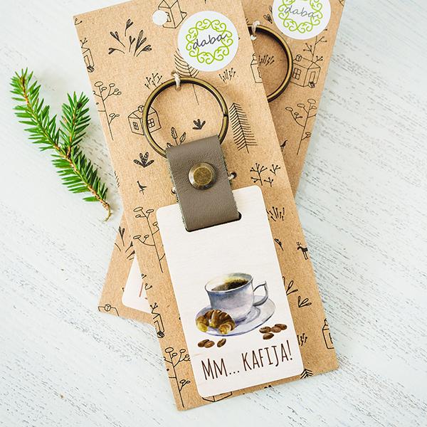 Atslēgu piekariņš ar kafijas krūzi ar tekstu Mm.. kafija