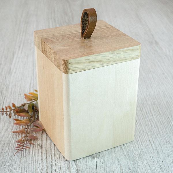 Koka kaste ar ādas rokturi