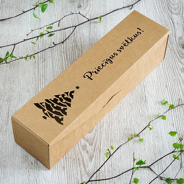 Dāvanu kaste vīna pudelēm ar lāzergrieztu eglīti ar tekstu Priecīgus svētkus