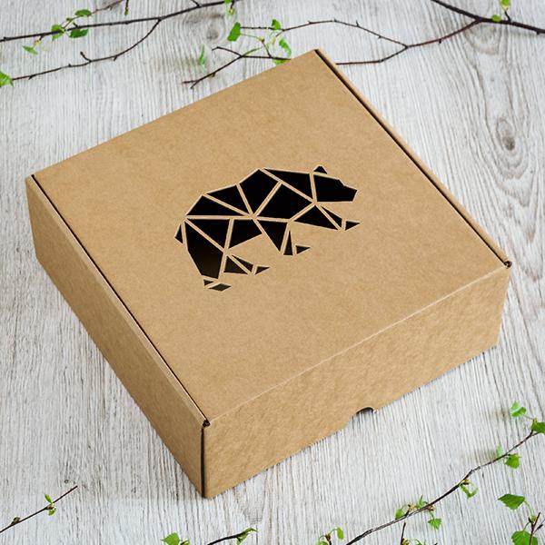 Dāvanu kaste ar lāzergrieztu lāci