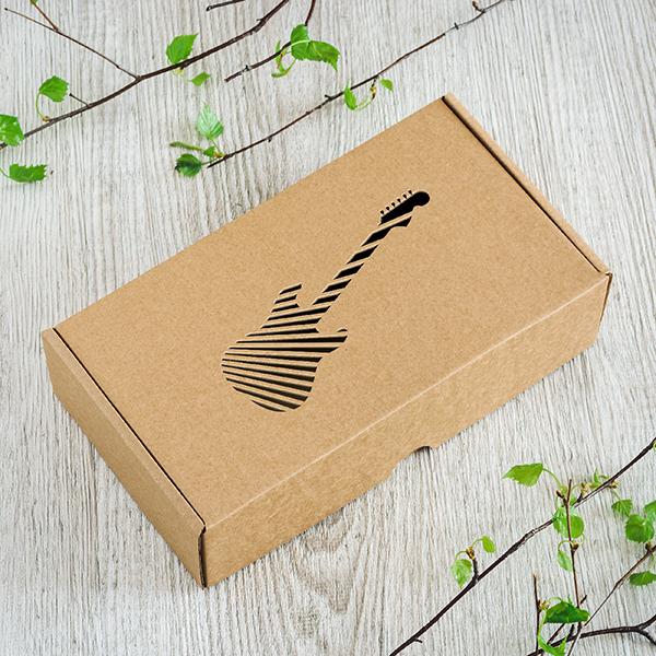 Dāvanu kaste ar lāzergrieztu Ģitāru