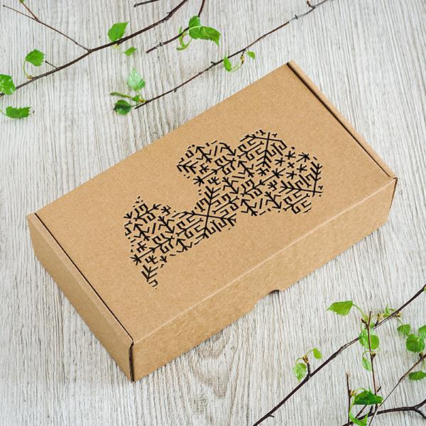 Dāvanu ar kaste ar lāzergrieztu Latvijas karti