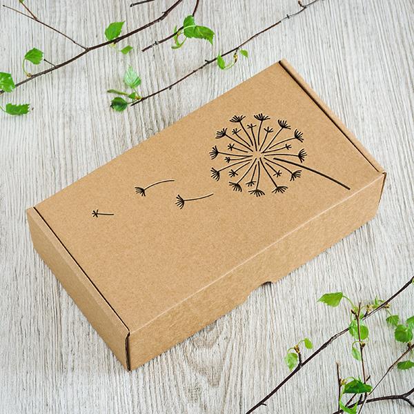 Dāvanu kaste ar lāzergrieztu pieneni labajā pusē