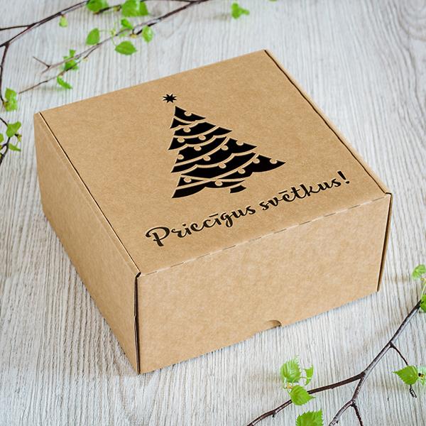 Maza dāvanu kaste ar lāzergrieztu egli ar tekstu Priecīgus svētkus