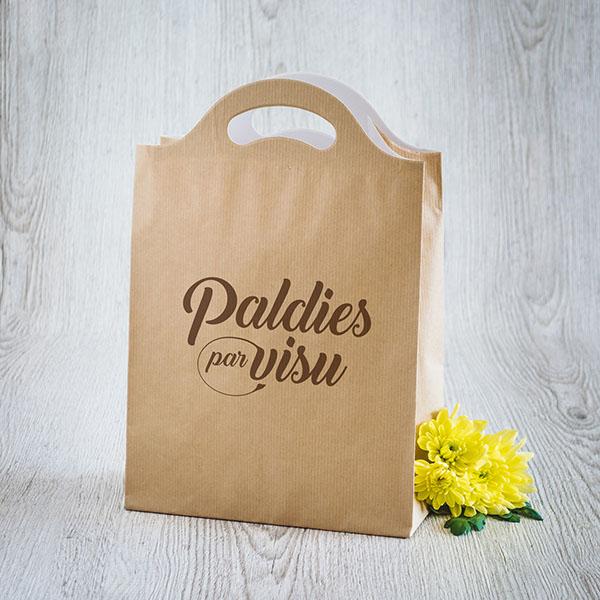 Gaišs dāvanu maisiņš ar brūnu tekstu Paldies par visu