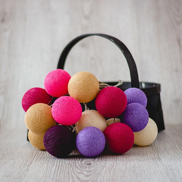 Krāsainās bumbu virtenes ar dažādu skaitu lampiņām
