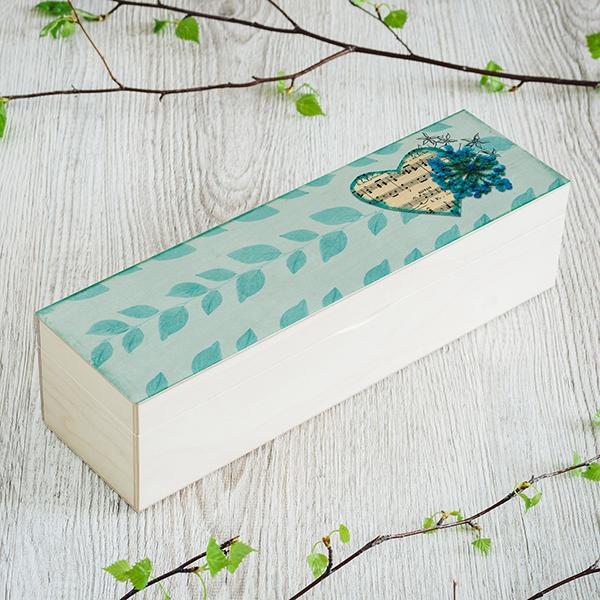 """Gaiši brūna koka kaste ar krāsainu foto apdruku """"Nošu sirds"""", (1x4)"""
