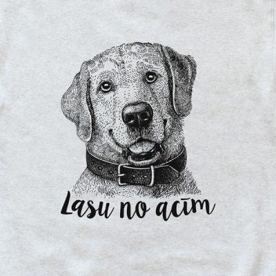 """Gaiši pelēks džemperis ar melnu suņa zīmējumu un tekstu: """"Lasu no acīm"""""""