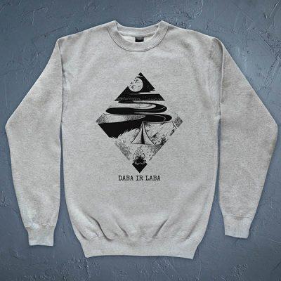 """Džemperis ar telts un ceļojuma zīmējumu un tekstu: """"Daba ir laba"""""""