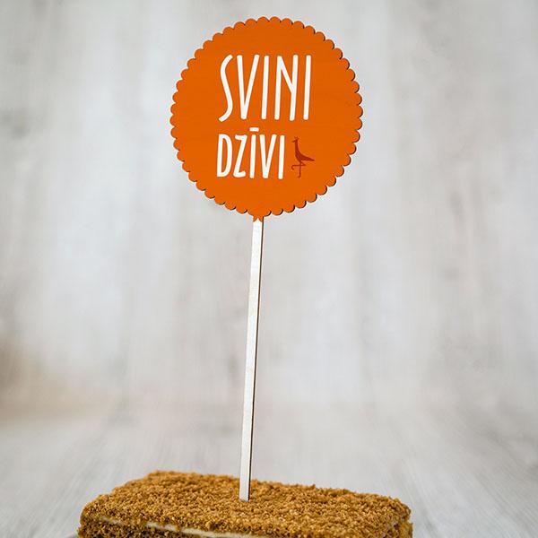 """Dekoratīvs kūku dekors ar krāsainu tekstu: """"Svini dzīvi"""""""