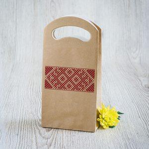 Dāvanu maisiņš ar Lielvārdes jostas zīmējumu.