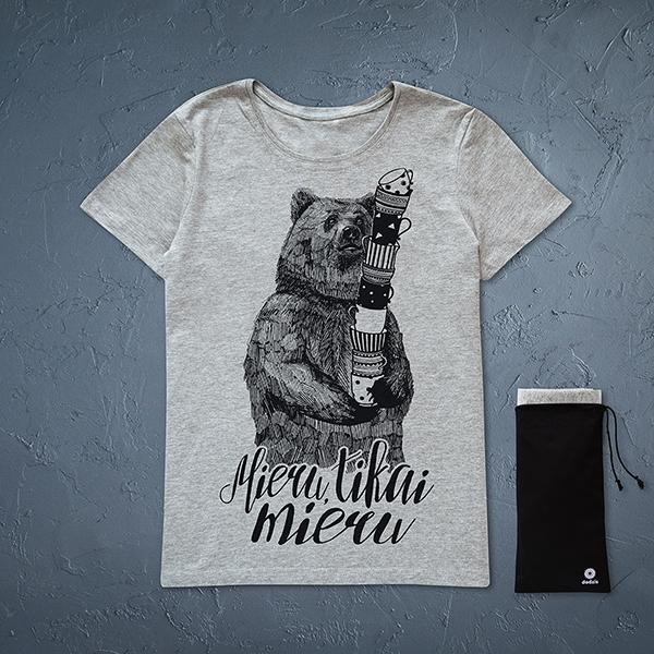 """Pelēks sieviešu t-krekls ar melnu lāča zīmējumu un tekstu: """"Mieru, tikai mieru"""""""