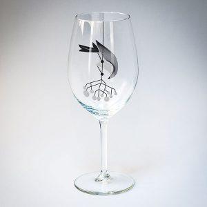 dadzis vīna glāze putns ar sudraba ogām