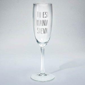 "Šampanieša glāze ar sudraba tekstu: ""Tu esi mana sieva"""