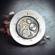 mazais šķīvis divdesmit centimetri ar ēdienreižu pulksteni